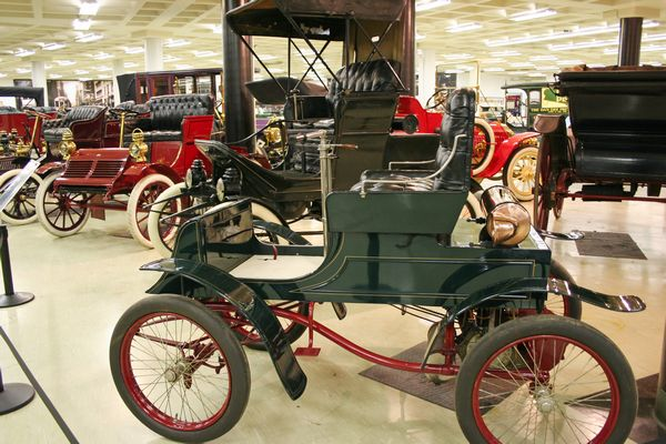 image of antique cars at the museum in Cleveland