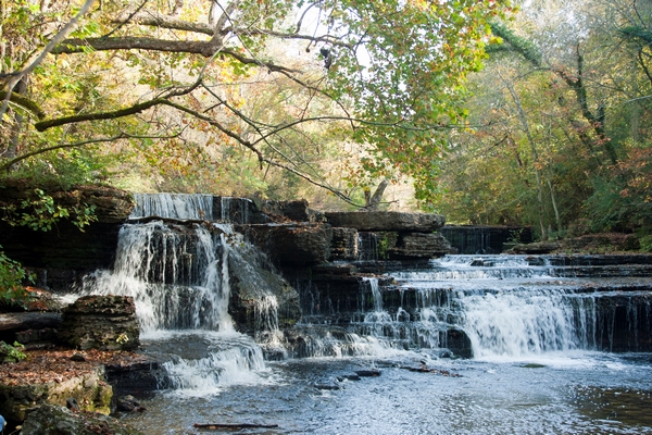 image of the waterfalls at stone door park