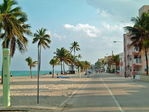 image of Hollywood beach Florida