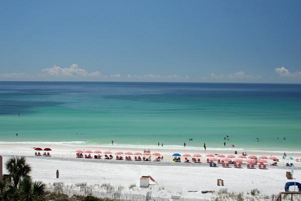 view of destin beach in Florida